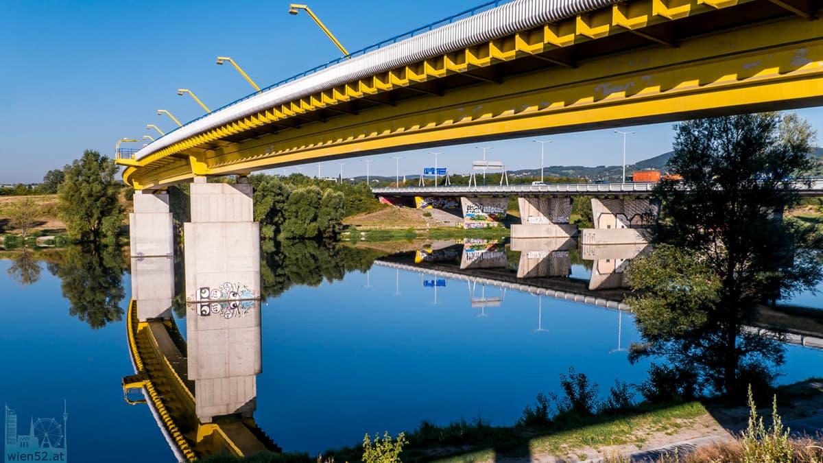 Donaubrücken - Steinitzsteg und Nordbrücke