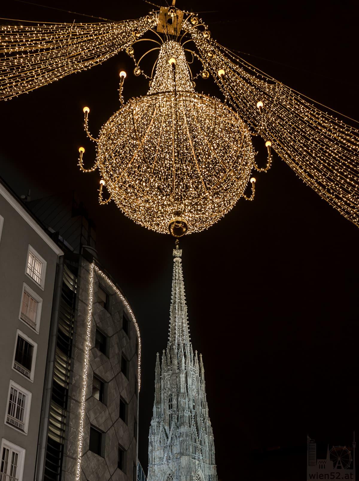 Weihnachtsbeleuchtung und der Stephansdom