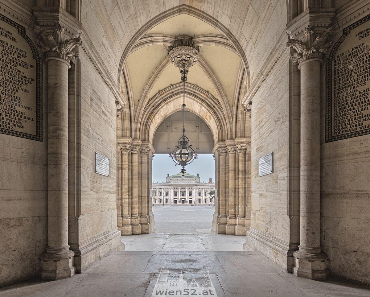 Burgtheater vom Rathaus aus gesehen