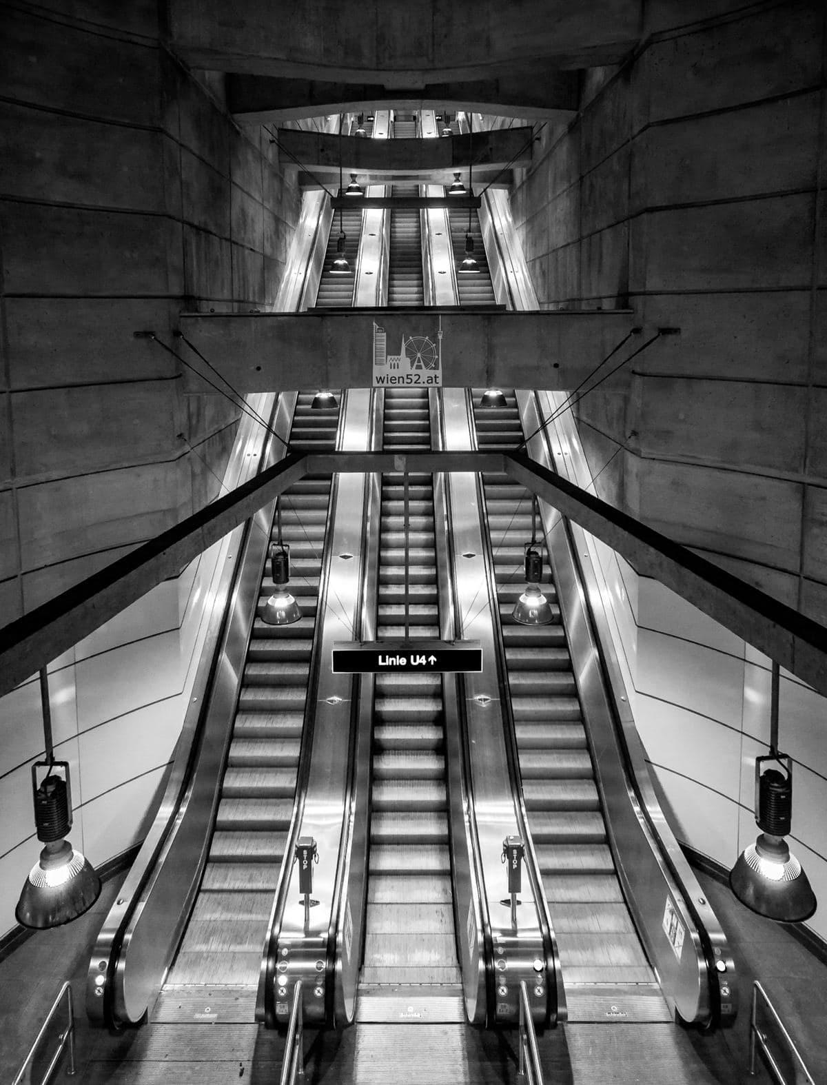 Rolltreppe U-Bahn-Station Schottenring