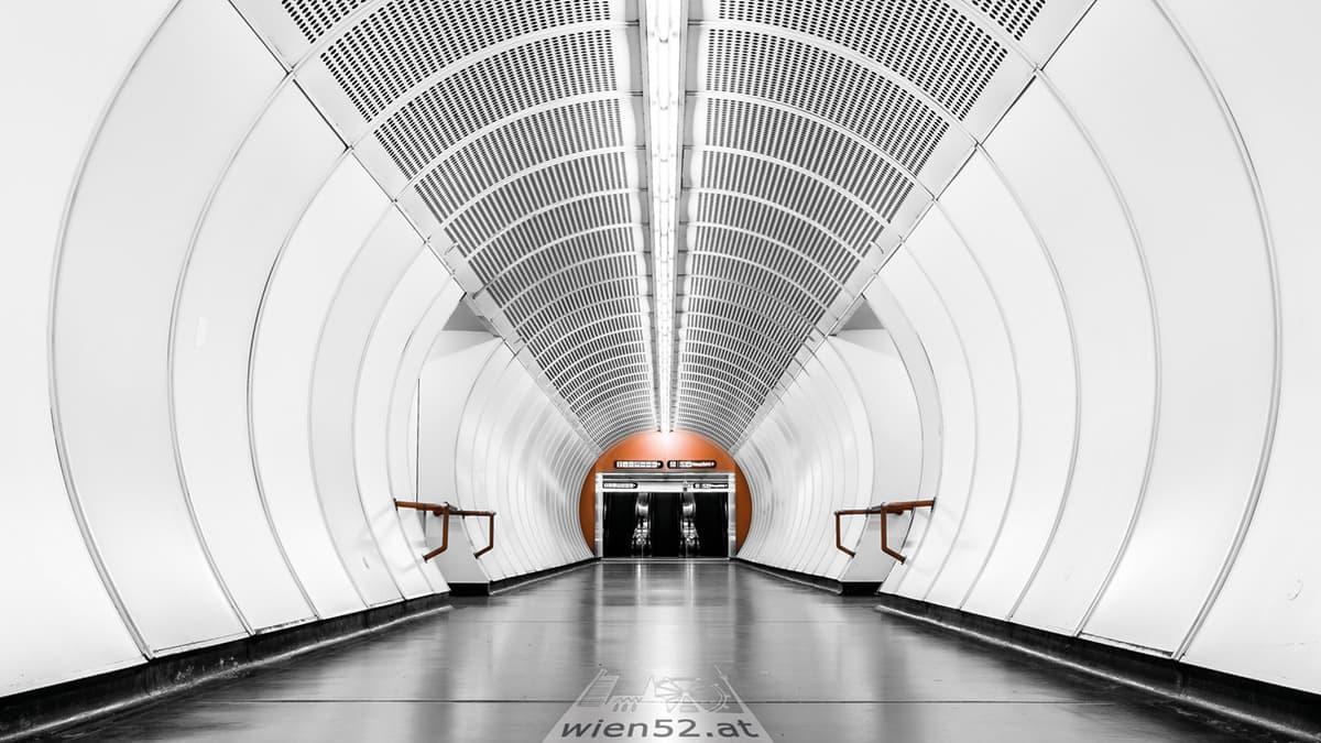 U-Bahn-Station Südtiroler Platz  Hauptbahnhof