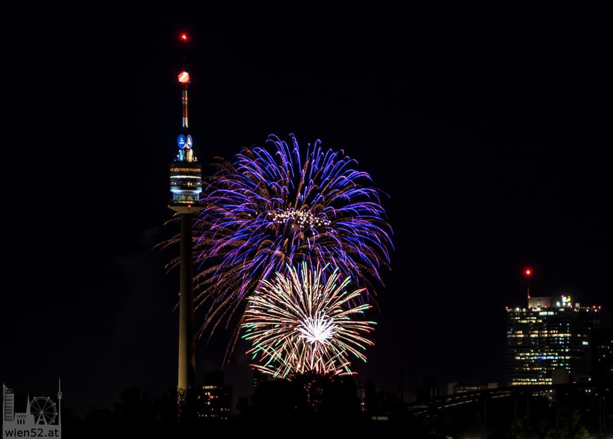 Feuerwerk beim Lichterfest