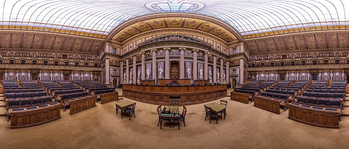 Historischer Sitzungssaal  Parlamentsgebäude