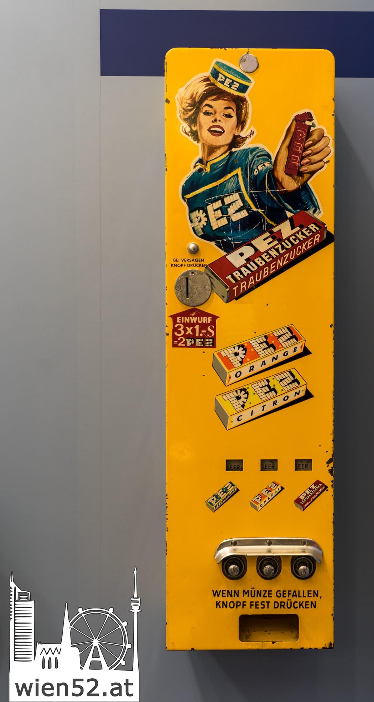 alter PEZ Automat