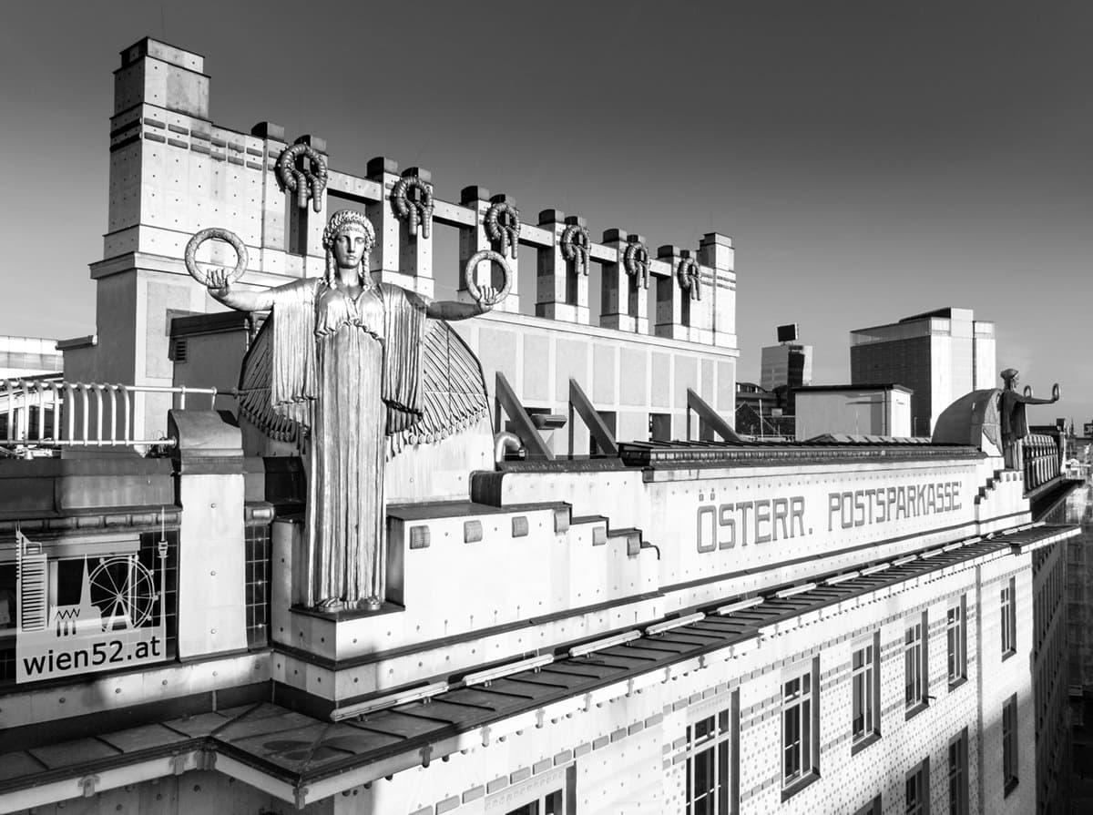 Engel am Dach der Österreichischen Postsparkasse